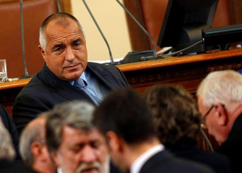 Cracks appear in Bulgaria's ruling coalition over judicial reforms