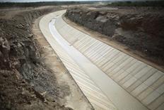 Obra de transposição do rio São Francisco, em Pernambuco.   10/02/2014  REUTERS/Ueslei Marcelino