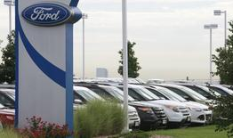 Cars are lined up for sale at a Ford dealer in Lakewood, Colorado in this September 4, 2013 file photo. REUTERS/Rick Wilking