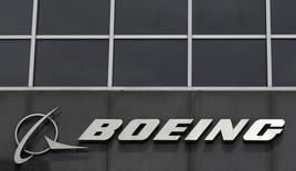 The Boeing logo is seen at their headquarters in Chicago, in this April 24, 2013 file photo. REUTERS/Jim Young