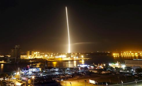 SpaceX rocket nails landing