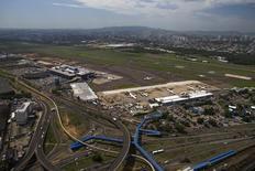 Vista aérea do aeroporto Salgado Filho, em Porto Alegre. 30 de janeiro de 2014. REUTERS/Edison Vara