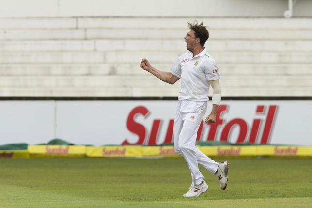 South Africa's Dale Steyn celebrates the wicket of England's Alex Hales during their first cricket test match in Durban, South Africa, December 26, 2015. REUTERS/Rogan Ward