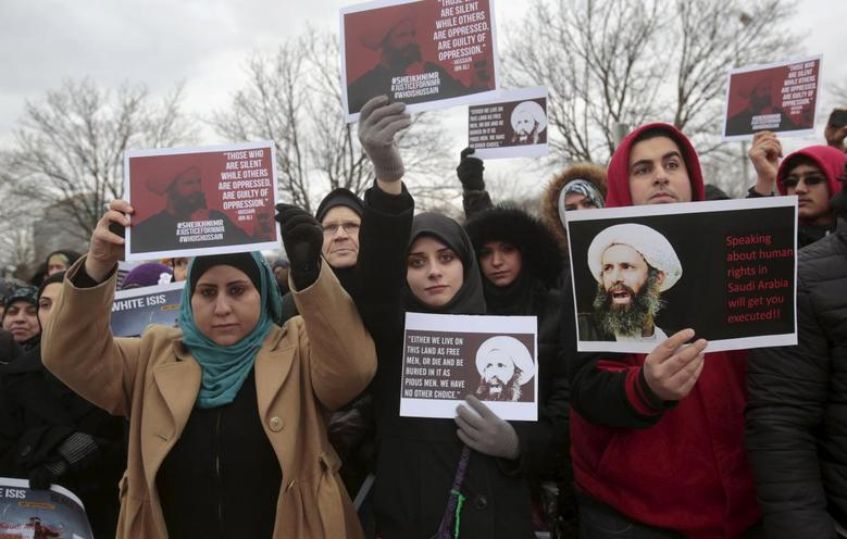 Muslim Americans protest against the execution of Shi'ite Muslim cleric Nimr al-Nimr in Saudi Arabia, during a rally in Dearborn, Michigan January 3, 2016. REUTERS/Rebecca Cook