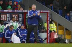 Técnico interino do Chelsea, Guus Hiddink, durante partida contra o Crystal Palace, na Inglaterra.   03/01/2016 Action Images via Reuters / John Sibley Livepic
