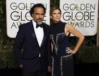 El director Alejandro González Iñárritu y su esposa María Eladia Hagerman llegan a la edición 73 de los premios Globos de Oro en Beverly Hills, California, 10 de enero, 2016.  REUTERS/Mario Anzuoni