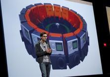 Clay Bavor, vicepresidente de gestión de productos de Google, habla durante una conferencia de desarrolladores realizada en San Francisco, California, 28 de mayo de 2015. Alphabet Google ha creado una nueva rama de realidad virtual (VR) en el seno de la compañía y será Clay Bavor, hasta ahora director ejecutivo del equipo de gestión de producto, quien pondrá en funcionamiento este nuevo departamento. REUTERS/Robert Galbraith/Files