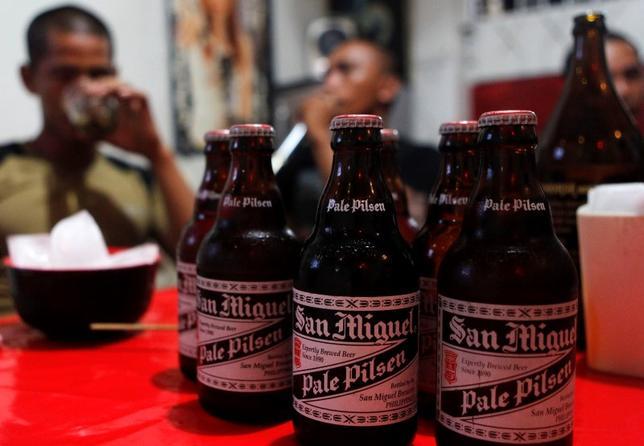 1月15日、フィリピン複合企業サンミゲルのラモン・アン社長は、キリンホールディングスが英SABミラー傘下のビールブランド買収を目指すなら協力するとの意向を明らかにした。マニラ近郊で2012年11月撮影(2016年 ロイター/Cheryl Ravelo)