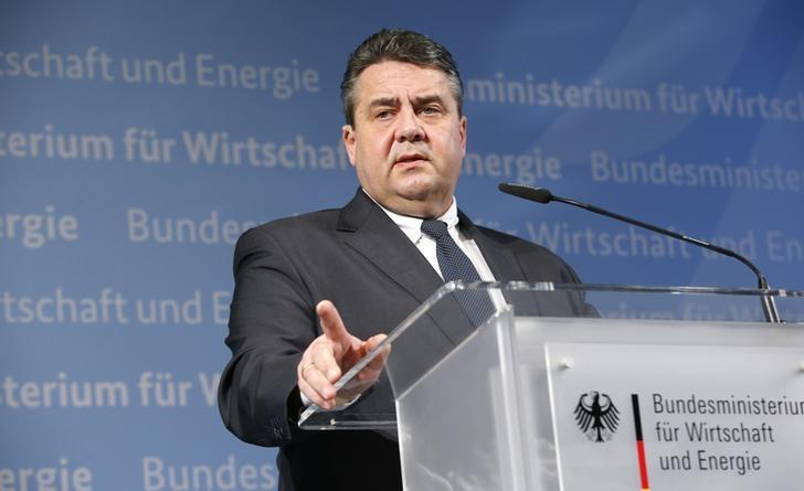German Economy Minister Sigmar Gabriel addresses a news conference in Berlin, Germany, January 12, 2016. Gabriel said he would approve plans by the country's biggest supermarket group Edeka to buy grocery chain Kaiser's, owned by retail group Tengelmann, but only as long as Edeka provided job guarantees for around five years. REUTERS/Fabrizio Bensch