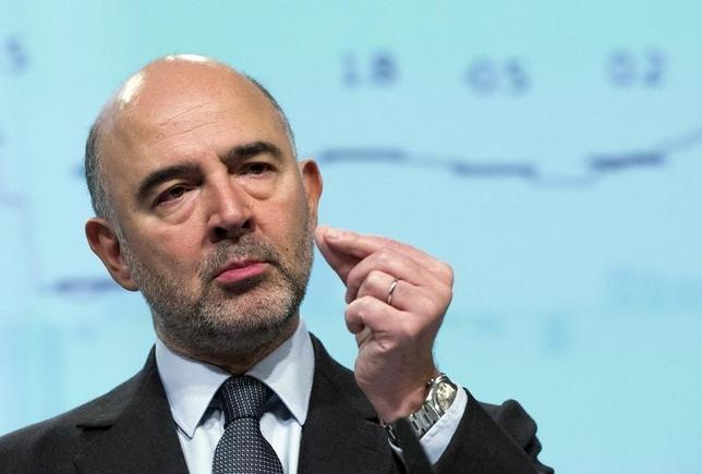 1月20日、モスコビシ欧州委員は、ユーロ圏経済の回復に対する見通しに変化はないとの見方を示した。写真はブリュッセルで昨年11月撮影(2016年 ロイター/Yves Herman)