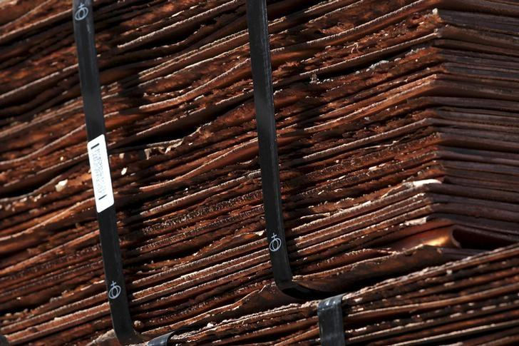 Copper cathodes are pictured at the Chuquicamata open pit copper mine, which is owned by Chile's state-run copper producer Codelco, near Calama city, Chile, April 1, 2011. REUTERS/Ivan Alvarado