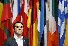Grecia y sus prestamistas oficiales deben concluir lo antes posible una primera evaluación sobre el cumplimiento del país con las reformas acordadas, dijo el martes la portavoz del Gobierno. En la imagen, el presidente de Gobierno griego, Alexis Tsipras, en una visita para reunirse con los líderes europeos en Bruselas, el 18 de diciembre de 2015. REUTERS/Francois Lenoir