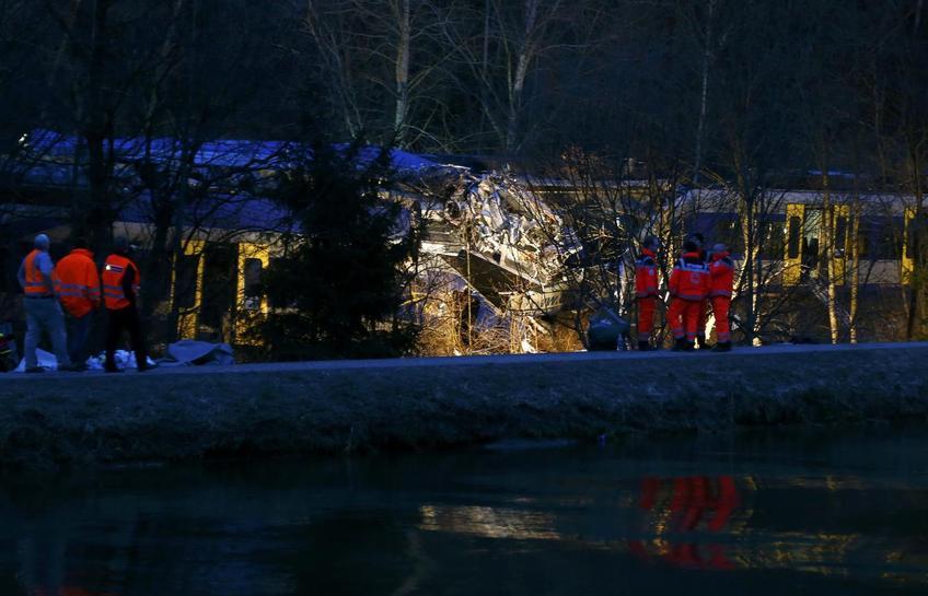 Ten dead, more than 80 injured in Bavaria train crash