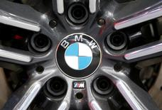 A BMW logo is seen at the North American International Auto Show in Detroit, January 12, 2016.   REUTERS/Mark Blinch