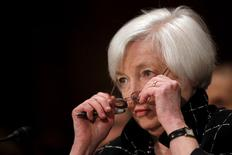 Chair do Fed, Janet Yellen, participa de audiência de comissão do Senado dos EUA, em Washington. 11/02/2016 REUTERS/Carlos Barria