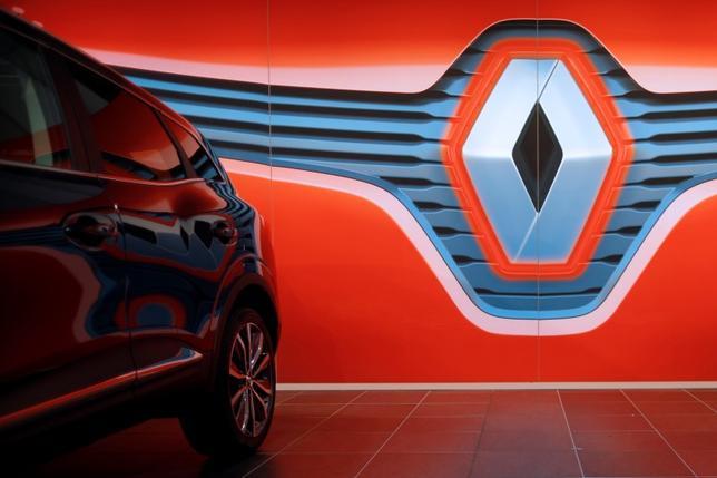 2月12日、仏ルノーの2015年決算は新型モデルの販売が寄与し、50%近い増益となった。ナント近郊の1月撮影(2016年 ロイター/STEPHANE MAHE)