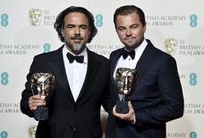 """""""The Revenant"""" fue la gran ganadora de los premios británicos BAFTA el domingo al llevarse los galardones como mejor película, mejor director para el mexicano Alejandro González Iñárritu y mejor actor para Leonardo DiCaprio. REUTERS/Toby Melville"""