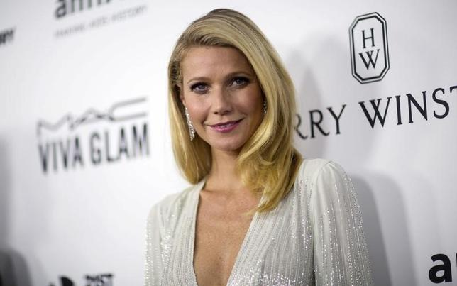 Actress Gwyneth Paltrow poses at the 2015 amfAR Inspiration Gala in Los Angeles, California October 29, 2015. amfAR's sixth annual gala benefits AIDS research. REUTERS/Mario Anzuoni