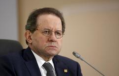 El vicepresidente del Banco Central Europeo,, Vítor Constancio, en una reunión del grupo en Valeta, oct 22, 2015. El Banco Central Europeo (BCE) no se ha comprometido aún con ninguna decisión de cara a su próxima reunión del 10 de marzo, pero podría decidir actuar si determina que la recuperación de la inflación se está aplazando más hacia el futuro, afirmó Vítor Constancio. REUTERS/Darrin Zammit Lupi