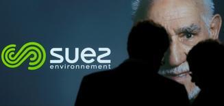 Suez Environnement a publié des résultats en hausse au titre de 2015, marqués par les bonnes performances de sa division Eau en Europe et ses réductions de coûts, et a dit viser une nouvelle progression de ses performances en 2016 en données organiques. /Photo d'archives/REUTERS/Christian Hartmann
