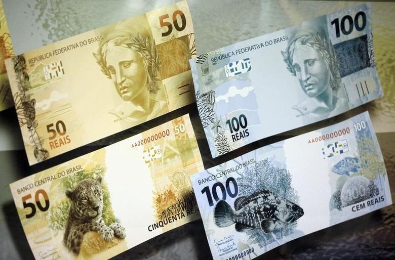 2010年2月3日拍摄的巴西新版货币。REUTERS/Ricardo Moraes