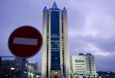 Центральный офис Газпрома в Москве. 3 января 2009 года. Газовый концерн Газпром сократил поставки газа турецким частным компаниям на 10 процентов из-за неоплаты счетов, сообщили Рейтер источники в Министерстве энергетики Турции. REUTERS/Sergei Karpukhin