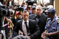 Oscar Pistorius arrives at the North Gauteng High Court in Pretoria, South Africa for a bail hearing, December 8, 2015. REUTERS/Siphiwe Sibeko