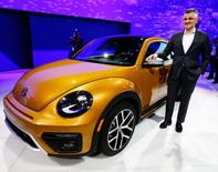 Michael Horn, President and CEO of Volkswagen America, introduces the new Beetle Dune at the LA Auto Show in Los Angeles, California, United States in a November 18, 2015 file photo. REUTERS/Lucy Nicholson/Files