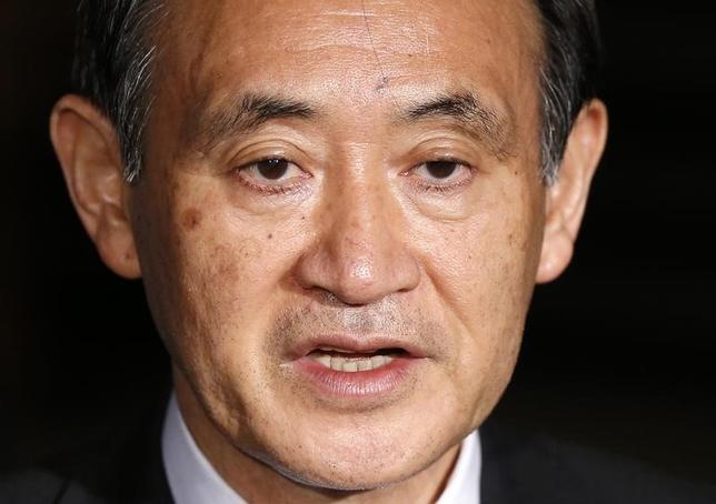 3月10日、菅義偉官房長官は午前の会見で、北朝鮮が同日朝にミサイルを発射したことについて、国連安全保障理事会の決議に違反するものだとし、厳重に抗議したことを明らかにした。写真は都内で昨年1月撮影(2016年 ロイター/Toru Hanai)