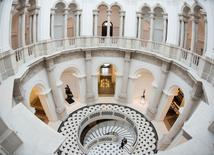 Vista da nova escada em espiral do Tate,  em Londres.   18/11/2013      REUTERS/Olivia Harris