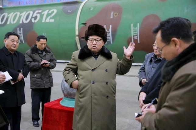 3月14日、北朝鮮の人権侵害問題を調査している国連のダルスマン特別報告者は、金正恩第1書記(写真)と他の幹部を「人道に対する罪」で訴追するよう求めた。提供写真(2016年 ロイター/KCNA)