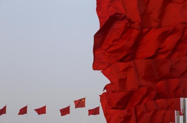 3月15日、中国の恒例特番が国内ネット企業を槍玉に挙げた。写真は北京の天安門広場で5日撮影(2016年 ロイター/Kim Kyung-hoon)