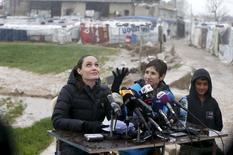 Angelina Jolie, enviada especial da Organização das Nações Unidas, durante visita ao Líbano.   15/03/2016    REUTERS/Mohamed Azakir