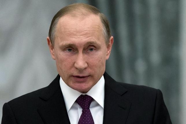 3月15日、ロシアのプーチン大統領(写真)は、現在シリアに展開しているロシア軍「主力」の撤退開始を発表。宣伝用のポーズではないと仮定すると、抜け目のない現実的な動きということになる。モスクワで10日代表撮影(2016年 ロイター)