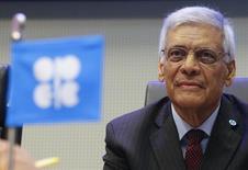 El secretario general de la OPEP, Abdullah al-Badri, espera por el inicio de una reunión de ministros del petróleo, en Viena, Austria, 4 de diciembre de 2015. Irán podría sumarse más adelante a otros productores que planean congelar el bombeo de petróleo para respaldar los precios, dijo el lunes el secretario general de la OPEP, debido a que ahora la república islámica busca subir sus exportaciones. REUTERS/Heinz-Peter Bader