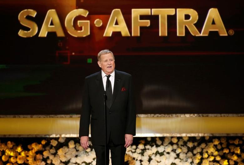 Screen Actors Guild president Ken Howard speaks at the 21st annual Screen Actors Guild Awards in Los Angeles, California January 25, 2015.  REUTERS/Mario Anzuoni