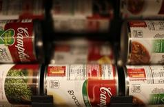 Cans of Campbell's brand soups are seen at the Safeway store in Wheaton, Maryland February 13, 2015. REUTERS/Gary Cameron