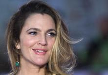 """U.S. actress Drew Barrymore poses for photographers at the European premiere of the film """"Miss You Already"""" in London September 17, 2015. REUTERS/Neil Hall - RTS1MHN"""