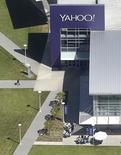La société de publicité numérique YP Holdings LLC, anciennement Yellowpages.com, envisage de soumettre un offre de premier tour en vue d'une fusion avec Yahoo, a-t-on appris d'une source informée du projet. /Photo prise le 6 avril 2016/REUTERS/Noah Berger