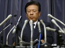 Mitsubishi Motors Corp's President Tetsuro Aikawa attends a news conference to brief about issues of misconduct in fuel economy tests at the Land, Infrastructure, Transport and Tourism Ministry in Tokyo, Japan, April 20, 2016.  REUTERS/Toru Hanai