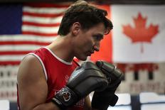 Justin Trudeau spars in the ring at Gleason's Boxing Gym in Brooklyn, New York, April 21, 2016. He hit the ring at the famous Gleason's Gym in Brooklyn and sparred with several of the young athletes. REUTERS/Carlo Allegri