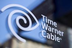 Le département de la Justice a annoncé lundi qu'il autorisait Charter Communications à racheter Time Warner Cable, ainsi que Bright House Networks, opération qui aboutira à créer le deuxième fournisseur internet haut débit et le troisième acteur du marché de la vidéo des Etats-Unis. /Photo d'archives/REUTERS/Mike Segar