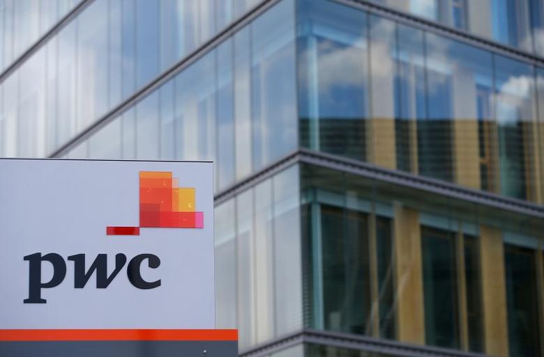 Lawsuit accuses PwC of discriminating against older job