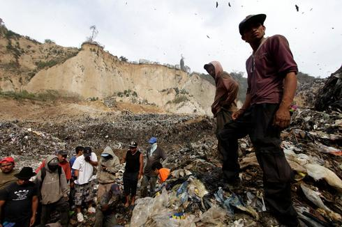 Deadly landfill collapse in Guatemala
