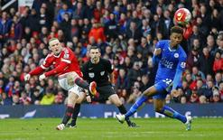 Britain Football Soccer - Manchester United v Leicester City - Barclays Premier League - Old Trafford - 1/5/16 Manchester United's Wayne Rooney shoots at goal Reuters / Darren Staples Livepic