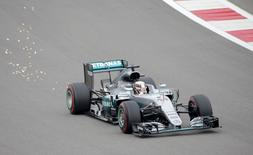 Formula One - Russian Grand Prix - Sochi, Russia - 30/4/16 - Mercedes Formula One driver Lewis Hamilton of Britain drives during the qualifying session. REUTERS/Maxim Shemetov