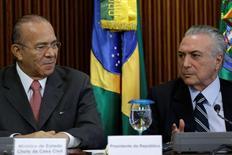 Presidente interino Michel Temer (à direita) e ministro-chefe da Casa Civil, Eliseu Padilha (à esquerda). 13/05/2016. REUTERS/Ueslei Marcelino