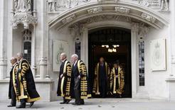 Membros da Suprema Corte britânica saíndo de sessão, em Londres.    01/10/2009       REUTERS/Luke MacGregor/File Photo