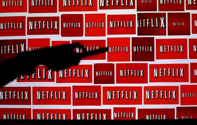 The Netflix logo is shown in this illustration photograph in Encinitas, California October 14, 2014.   REUTERS/Mike Blake/File Photo - RTX2B4O8