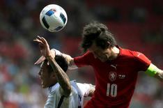 Football Soccer - Czech Republic v South Korea - International Friendly - Prague, Czech Republic - 05/06/16. Czech Republic's Tomas Rosicky and South Korea's Suk Hyun-jun in action. REUTERS/David W Cerny - RTSG34Y